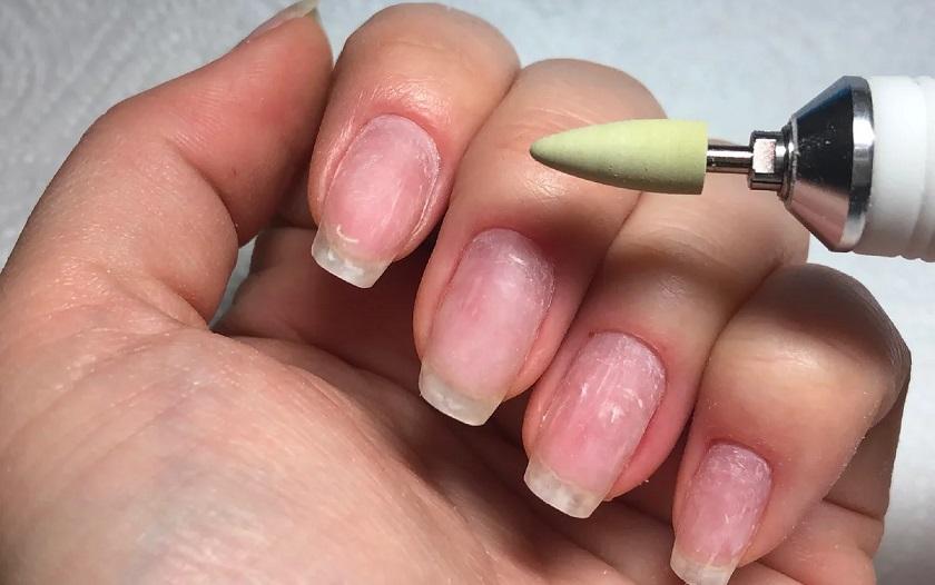 шлифование ногтя