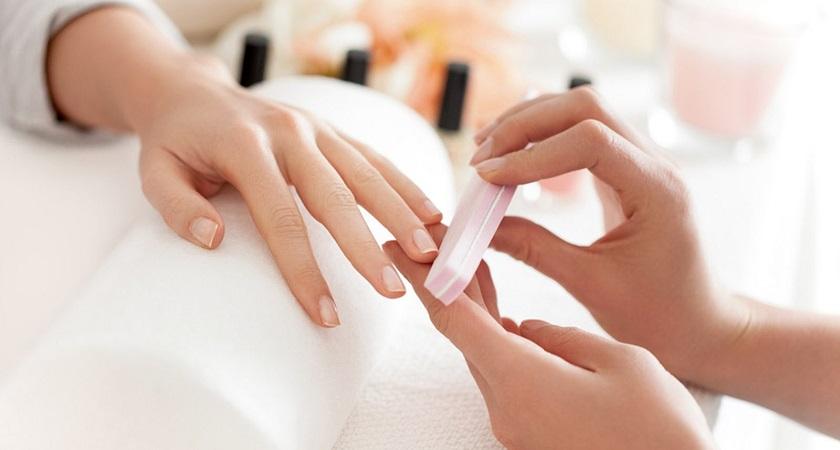обработка ногтя перед маникюром